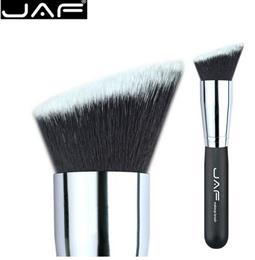 AF 18SSYA Flat Angled Kabuki Brush for Blending Foundation Cream Seamlessly onto Hard-To-Reach Areas of Face