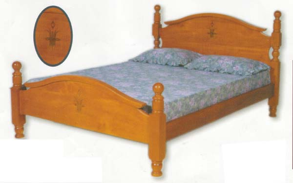 Royal Queen Bed with Solid Pine (Clear Grade)